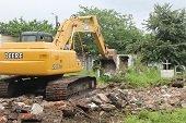 Culmina proceso de demolici�n de b�vedas y mausoleos en el Cementerio antiguo de Yopal