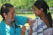 Investigan causas de desmayos en ni�as en Nunch�a. Descartan v�nculo con vacuna contra el virus del papiloma humano