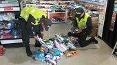 Por falsedad marcaria polic�a incaut� m�s de 20 millones de pesos en tenis y ropa