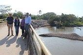 Obras de mitigaci�n en puente vehicular de la Vereda La Manga de Yopal