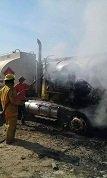 Incendio consumi� un carrotanque en Barranca de Up�a