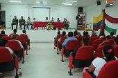 En Man� se lanz� libro de Colombia L�der
