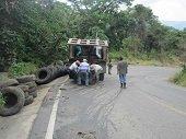 Jornada de limpieza en la vía al río Caja en Tauramena