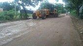 Mantenimiento vial a la entrada del barrio Llano Lindo de Yopal