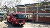 Colegio de Yopal tuvo que ser desalojado de emergencia por incendio en lote bald�o