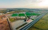 Comunidad denuncia abandono de las obras del Complejo Deportivo Los Hobos