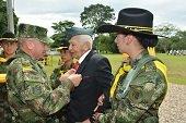 Veterano de la guerra de Corea fue condecorado por la Octava División del Ejército