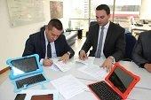 Alcalde de Sabanalarga suscribi� convenio con Mintic para acceder a m�s computadores para educar