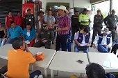 Gobernador adquirió compromisos con comunidades del Charte para que permitan tránsito de  camiones