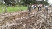 Estudiantes de la vía alterna Yopal - Morichal – Maní no pueden ir al Colegio porque les destruyeron carretera