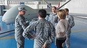 Viceministra de Defensa evaluó Drones y capacidades estratégicas de la Fuerza Aérea en el Meta