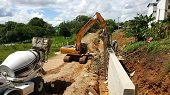 En 60% va barrera de protección de urbanización Villa Mariana en Villanueva