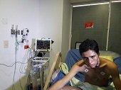 Después de 17 días Cafesalud remitió a joven en estado crítico