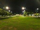 Instalación de iluminación LED en el parque el Resurgimiento de Yopal recuperó la seguridad del sector
