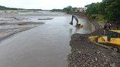 Más maquinaria reforzará labores en sector socavado por el río Cravo Sur en Yopal