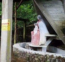 Infracción ambiental en zona protegida de Villavicencio disfrazada como ataque satánico a la Virgen del Carmen