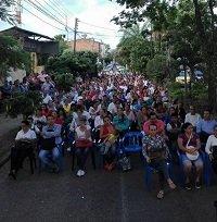 En el asfalto se siente comunidad educativa del Centro Social. Alcaldía de Yopal dejó perder 5 mil millones