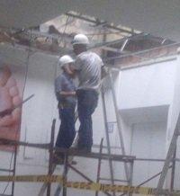 Obrero que arreglaba techo en el Hospital de Villavicencio cayó sobre varios pacientes