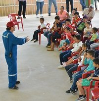 Enlázate un buen libro programa de Equión que llegó a la escuela de la vereda El Aracal