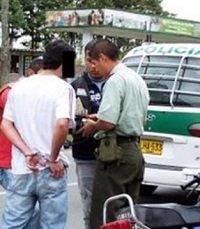 Aprehendidos menores por hurto y homicidio en ruta por la convivencia ciudadana comunidades seguras y en paz de la Policía
