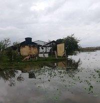 Inundaciones impiden el acceso de los niños a la escuelita Girasoles en Hato Corozal