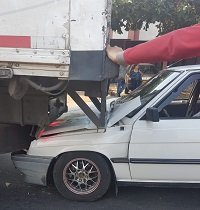 Vehículos de carga involucrados en accidente de tránsito en la calle 30 de Yopal