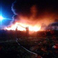 Hoy se evaluarán daños por incendio en parqueadero de Setty. Unas 100 motos se habrían incinerado